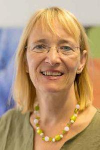 Portrait von Dr. Jutta Hundertmark-Mayser.
