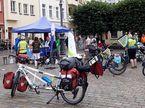 MUT-Tour 2021: Teilnehmer/innen auf dem Schweriner Markt