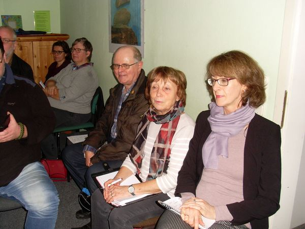 V.l.n.r: Lothar Falkenberg, Regina Winkler (Vorsitzende des KISS Schwerin e.V.) und Claudia Buchholz (Mitarbeiterin der KISS)