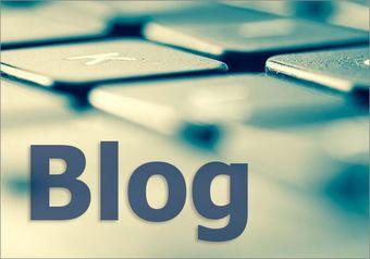 """Computer-Tastatur und Schriftzug """"Blog"""""""