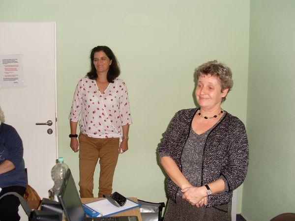 Regina Rein, IKK Nord (li) und Sabine Klemm, Geschäftsführerin der KISS Schwerin (re). Foto: Gudrun Schulze